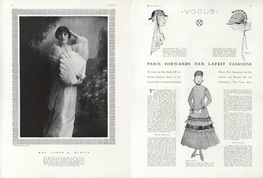 Paris Forwards Her Latest Fashions