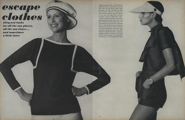 Article Preview: Escape Clothes, November 15 1971 | Vogue